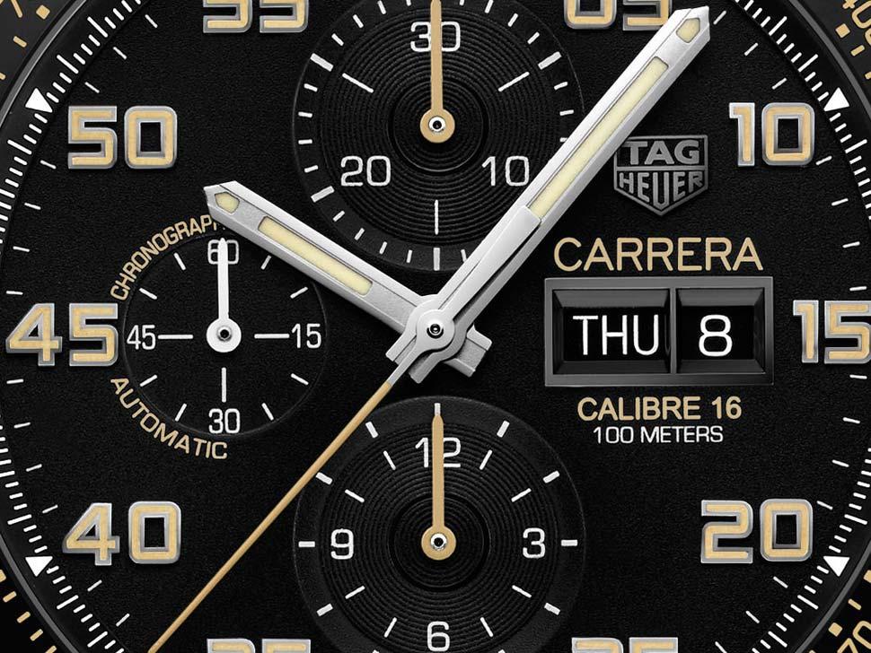 2b1a0e6be80 Há inúmeros referências ao Carrera original dos anos 60  uma grande  abertura do mostrador com um aro fino